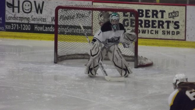 Linsey Strainis made a career-high 44 saves in Friday night's 4-1 victory for the Ice Bears.