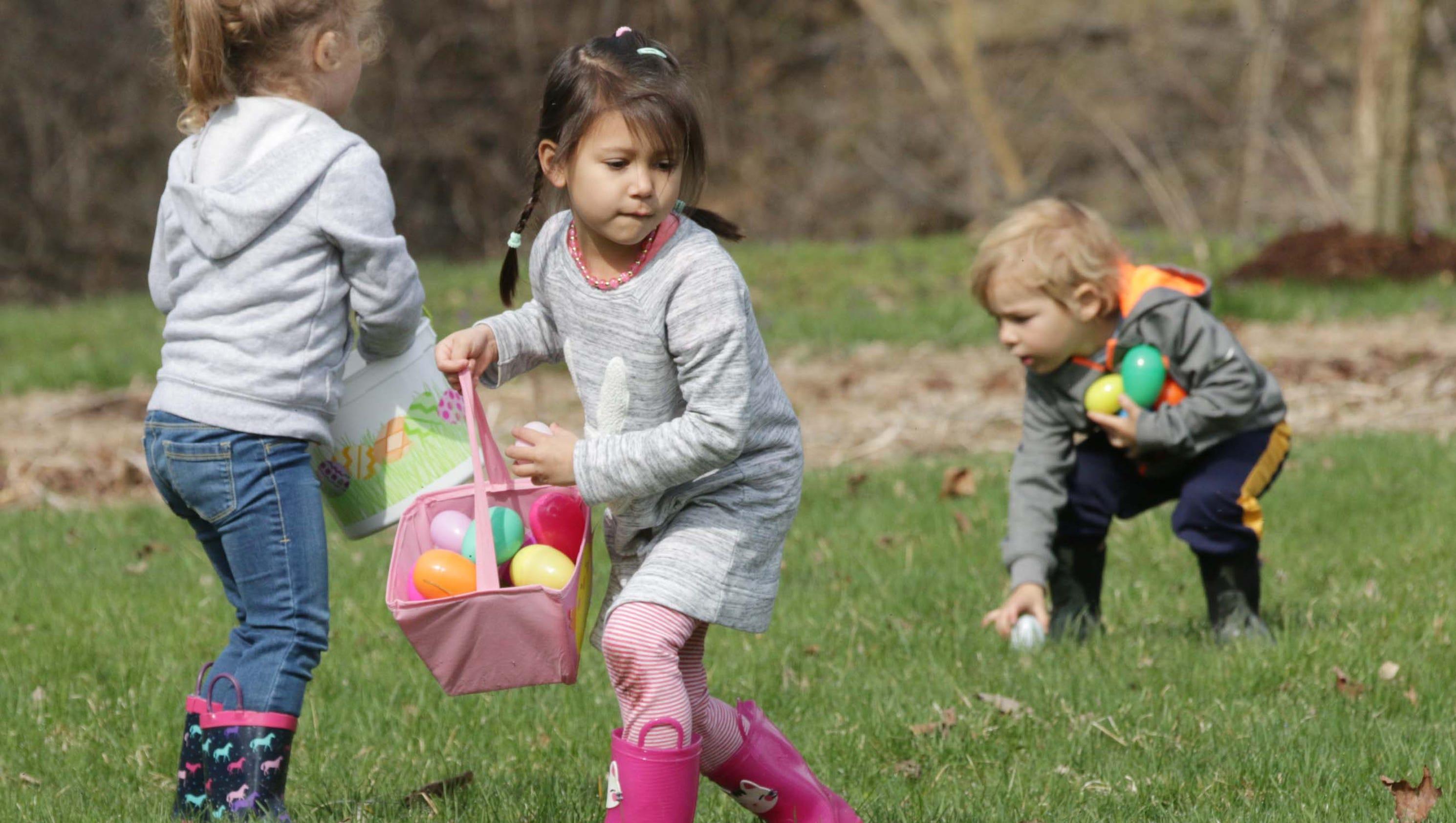 Sheboygan Falls Hocevar Family Hosts Easter Egg Hunt For