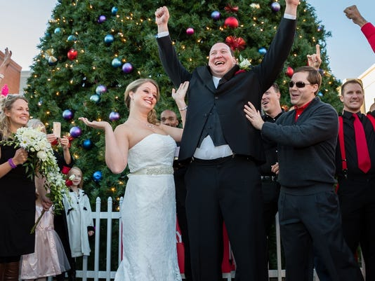 Surprise Gift For Groom On Wedding Day: Groom Surprises Bride-to-be With Flash Mob Wedding