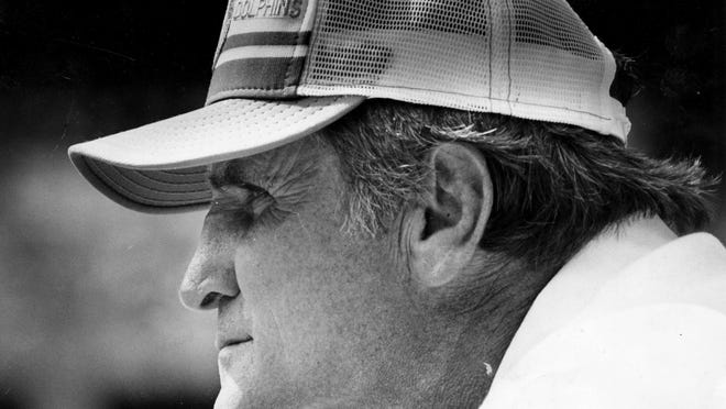 Don Shula and that unmistakable profile.