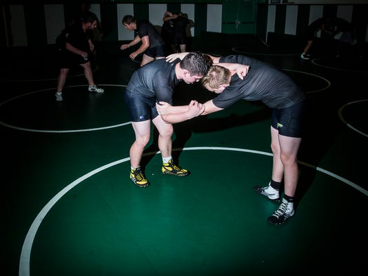 636300460013513442-WrestlingUniforms-6.JPG