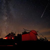 Saturday and Sunday night will feature meteor sky show
