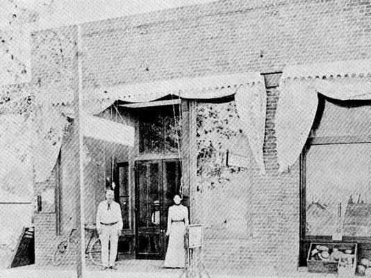Mesa Post Office on Main Street