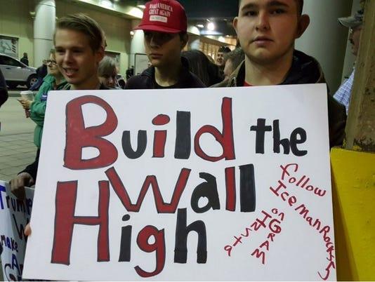 635924377358662127-trump-rally-wall.jpg