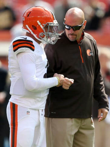 Browns coach Mike Pettine has only used rookie QB Johnny