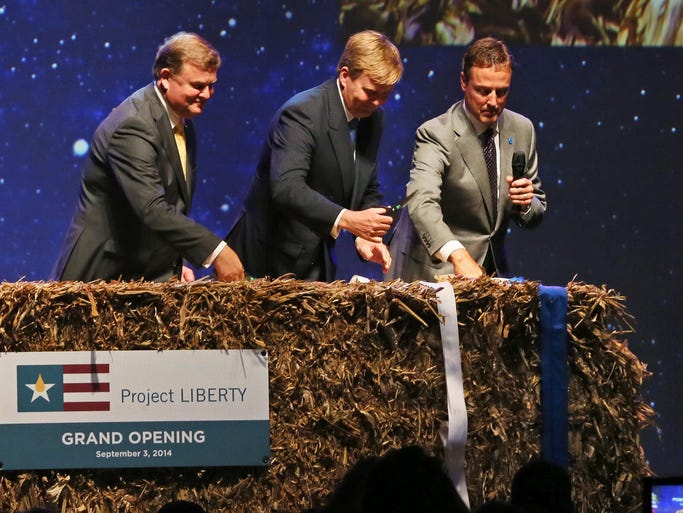 DSM CEO Feike Sijbesma, His Royal Majest King Willem-Alexander of the Netherlands and POET Founder/Executive Chairman Jeff Broin cut a ribbon during the grand opening of POET-DSM's first commercial cellulosic ethanol plant in Emmetsburg, IA Wednesday, Sept. 3, 2014.