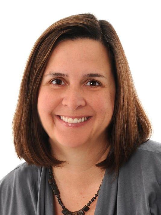Maureen Francis Headshot