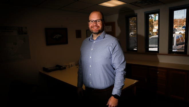 Farmington City Councilor Nate Duckett has become the first candidate to announce his intention to run for mayor of Farmington in the March election.