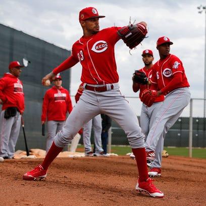 Reds continue Cuban legacy with Vladimir Gutierrez and Raisel Iglesias