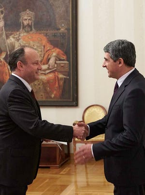From left: New Rochelle native Eric Rubin, newly-appointed U.S. Ambassador to Bulgaria, shakes hands with Bulgarian President Rosen Plevneliev after presenting his credentials on Feb. 24.