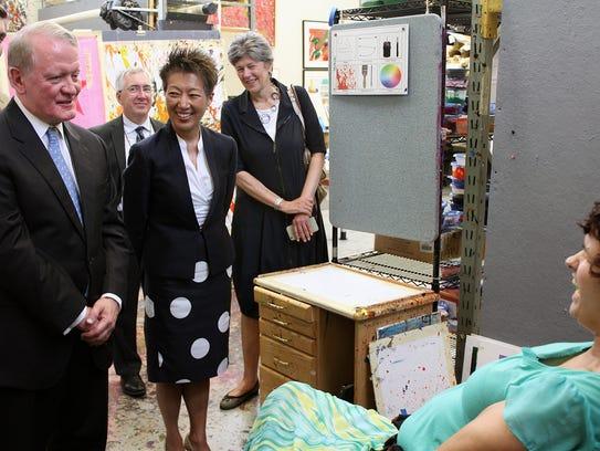 Congressman Leonard Lance visits the Arts Access Program