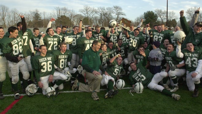 The 2002 Abington High football team will be inducted into the AHS Athletic Hall of Fame.