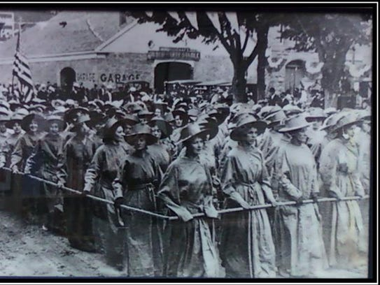 Marching suffragists.jpg