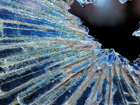#ARNgenFatal-wreck-windshield.jpg