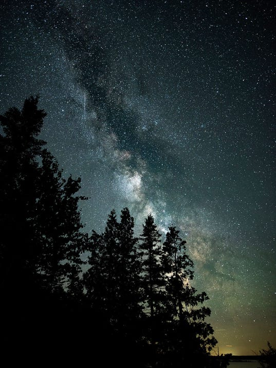 636240623366999538-Joe-Garza-Milky-Way-trees.jpg