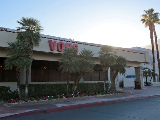 Vons stores and other grocers could face a strike by employees. Labor leaders in Los Angeles have said if a strike occurs, their members would not cross picket lines.