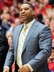 Arizona Wildcats assistant coach Emanuel Richardson.
