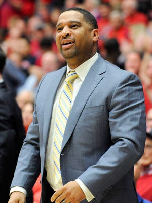 Arizona Wildcats assistant coach Emanuel Richardson.