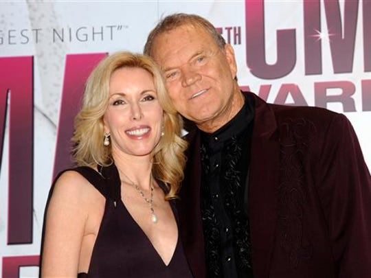 Late country music star Glen Campbell, right, with his wife Kimberly Campbell.