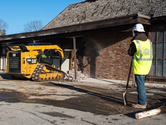 DP Schweihofer Excavating, Inc. employee Lee Dye watches
