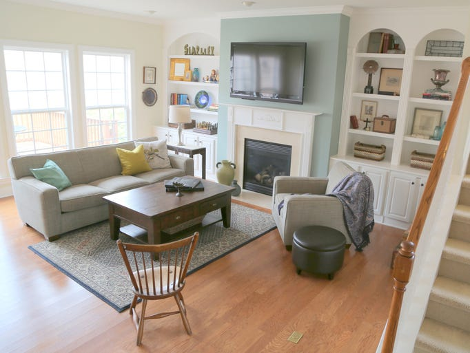 Recently Kristie Barnett, The Decorologist, staged a home to sell in the McKay's Mill subdivision of Franklin. She had helped the homeowner choose paint colors and decorate her home a couple of  years ago. This time around, she focused on marketing the property to sell to a wide audience.