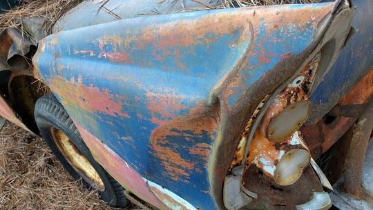The fender fin of an old race car at Occoneechee Speedway