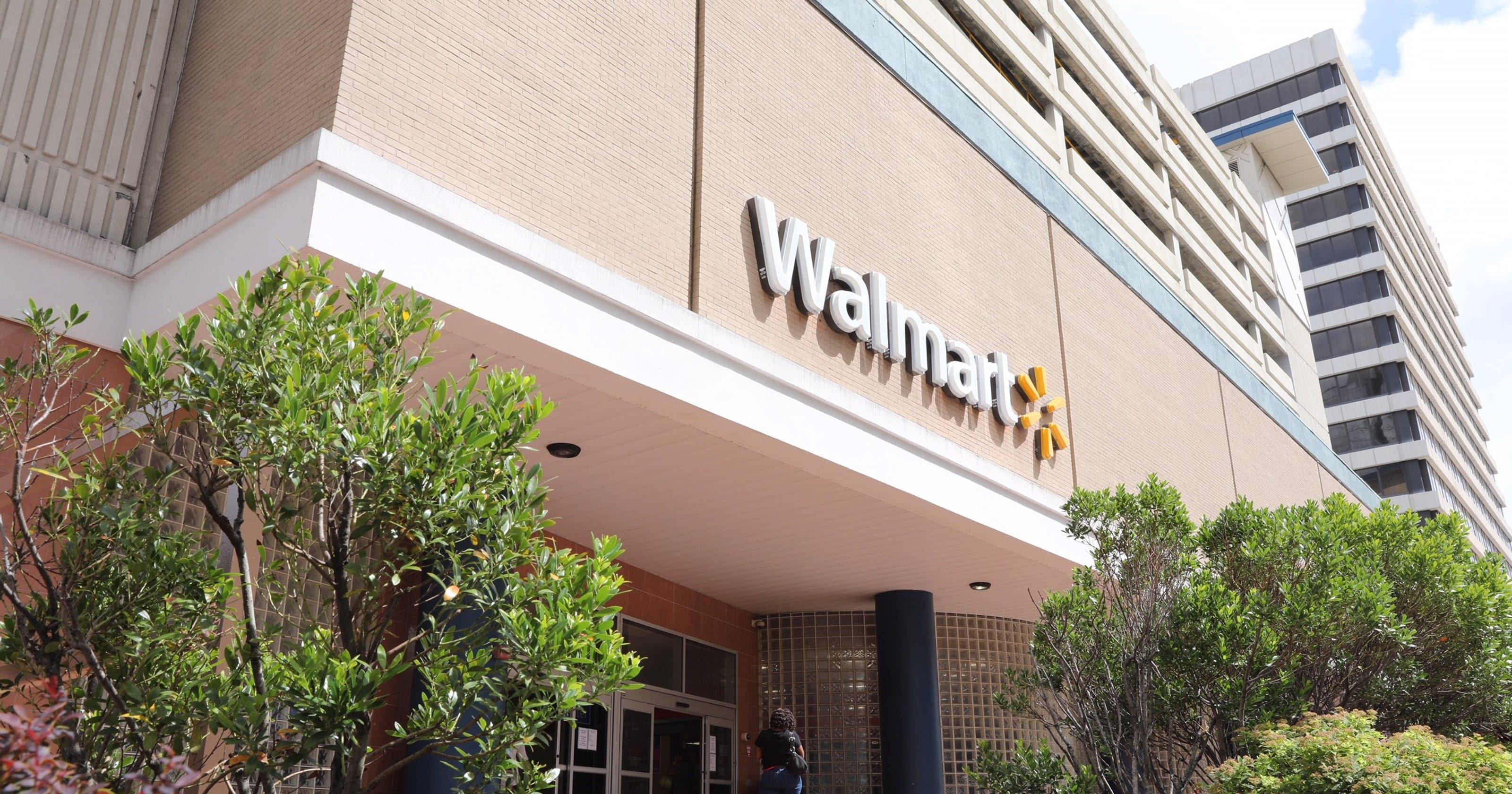 Walmart to close White Plains store