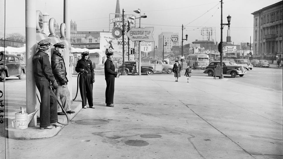 small1942 Gas rationing BD2.jpg