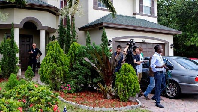 El padre de Omar Mateen, el estadounidense que mató en junio pasado a 49 personas en un bar de Orlando (Florida), acudió a un mitin en Florida de la candidata demócrata a la casa Blanca, Hillary Clinton.