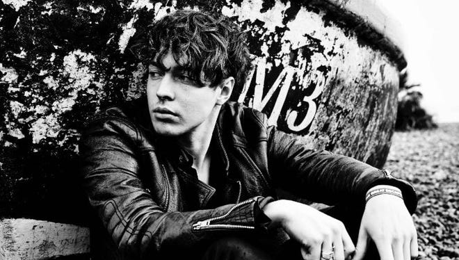 "British folk rocker Barns Courtney has rerecorded his signature song ""Glitter & Gold"" as a new Green Bay Packers anthem, ""Green & Gold."""