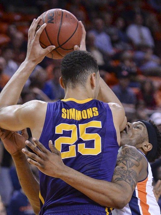 IMG_LSU_Auburn_Basketbal_2_1_64DBJ236.jpg_20160203.jpg
