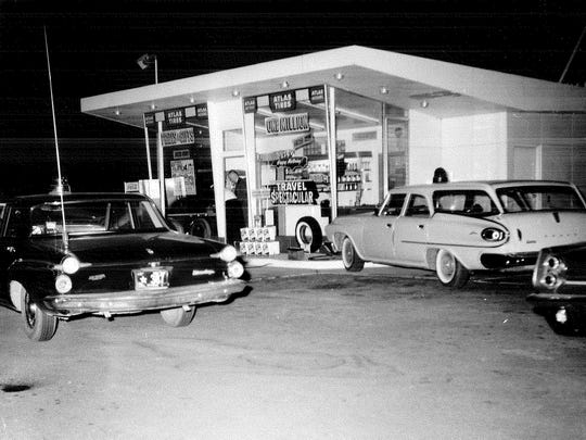 This former gas station on old U.S. 41 between Neenah and Oshkosh was the site of Wayne Pratt's murder on June 13, 1963.