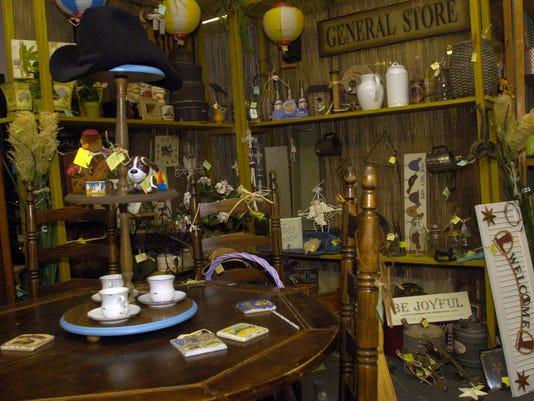 Pelican - antiques