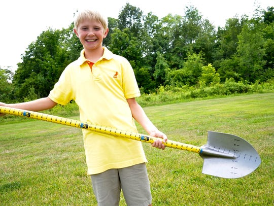 Maddox Prichard, a student at Union Elementary School in Gallatin,  won a national award for his invention, the measuring shovel