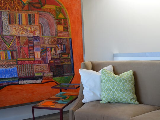With colorful art, throws or pillows help coordinate with those colors on more neutral furniture.