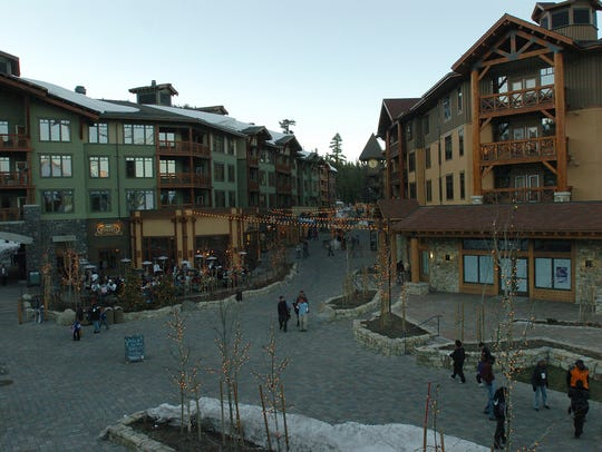 Mammoth's Village contains shops, galleries and restaurants in addition to upscale lodging. It is connected to the Canyon Lodge by a gondola.