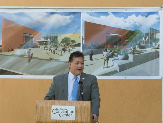 Ken Miyagishima, mayor of Las Cruces, gives remarks