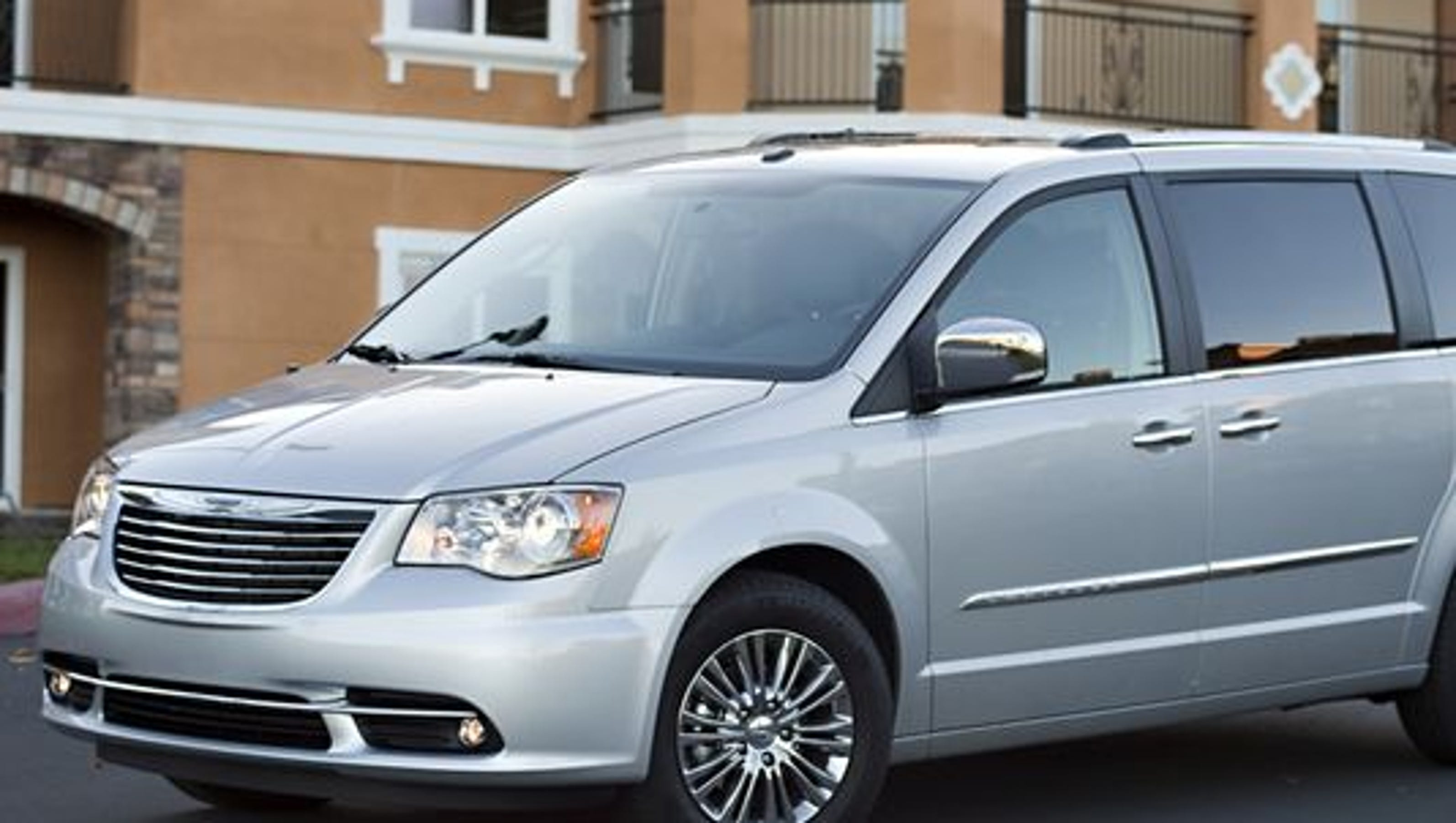 chrysler recalls 700k vehicles for ignition switches. Black Bedroom Furniture Sets. Home Design Ideas
