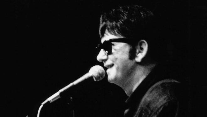 Roy Orbison performs his last concert in late 1988, before the release of final album 'Mystery Girl'.