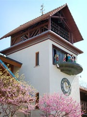 The Bavarian Inn Glockenspiel in Frankenmuth tells the story of the Pied Piper.