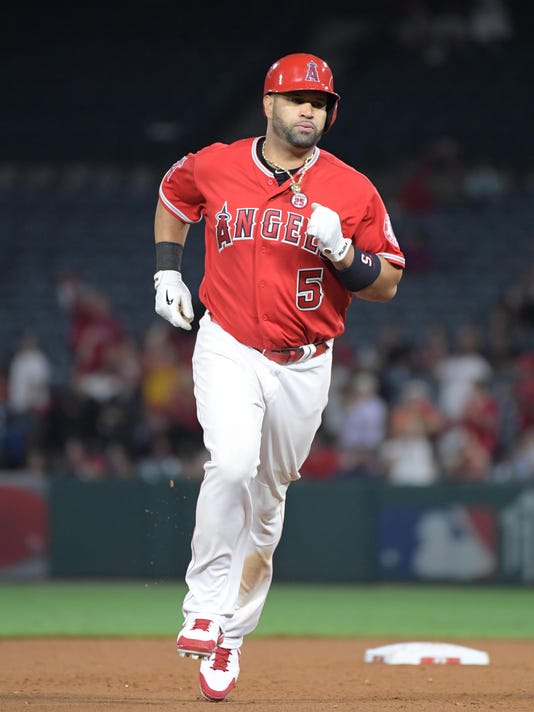 USP MLB: TEXAS RANGERS AT LOS ANGELES ANGELS S BBA LAA TEX USA CA