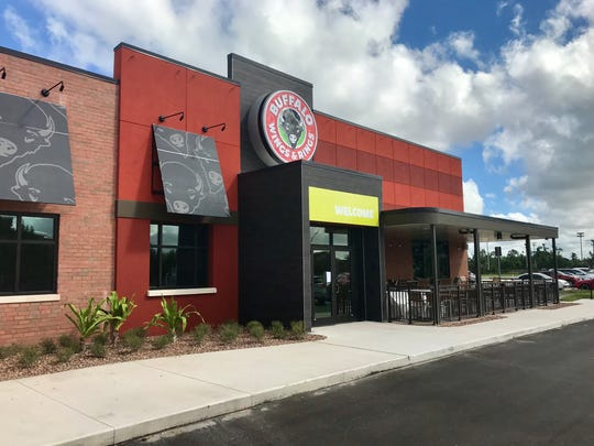 Buffalo Wings & Rings opens Oct. 25 in Fort Myers.