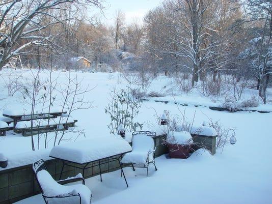 snow patio 834 am.jpg