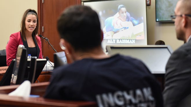Aly Raisman confronts Larry Nassar during her victim impact statement at his sentencing hearing in January. (Matthew Dae Smith/Lansing State Journal/USA TODAY)