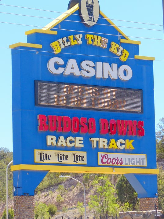 ruidoso-downs-race-track-sign.JPG