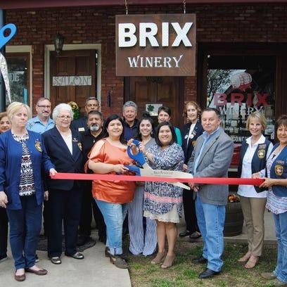 Chamber celebrates grand opening