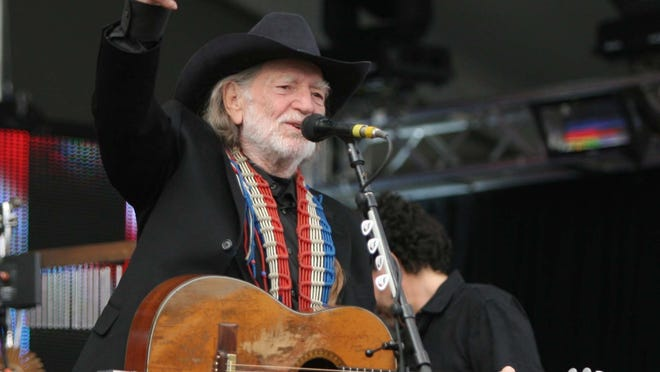 Willie Nelson performs before  Super Bowl XLII outside of the University of Phoenix stadium in Glendale on Feb. 3, 2008.