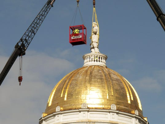 636583474652928980-Statehouse-Statue-Removal.jpg
