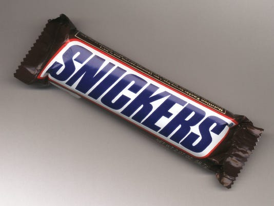 635918214765274742-candy-bar-SNICKERS.jpg