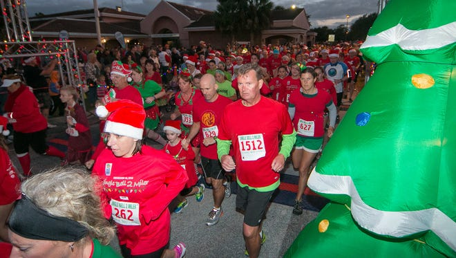 The start of the 2016 Jingle Bell 2-miler.